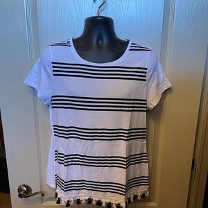 Cute striped t-shirt with tassels at bottom